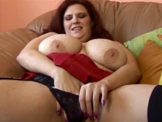 La grosse mère de famille se tape un black_2