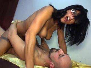 Femme à lunettes à souiller_1