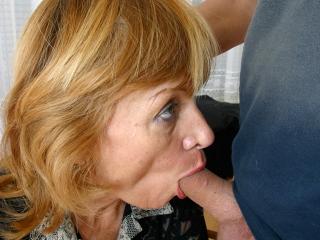 45 ans, suceuse, aime la baise_2