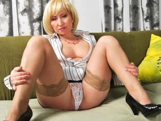 Blonde 50 balais baise comme une folle_1