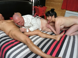 Lola baise avec deux gays_1